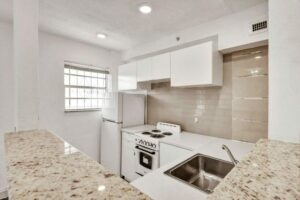 Kitchen Remodeling (white) – Miami