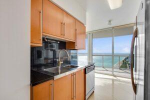 Kitchen Remodeling (spacious) – Miami